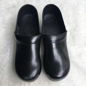 Dansko Men's Black Classic Clogs size 44