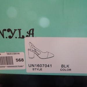 908493a41ff2 Modcloth Shoes - NEW Modcloth NYLA Solo Sashay Black Slingbacks 10