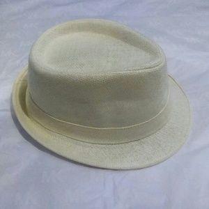 Accessories - White creamy fedora hat