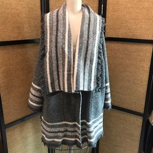 Zara Boucle Knit poncho cardigan