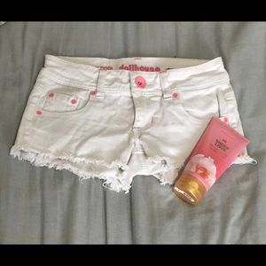 white mini shorts ❤️ lotion included