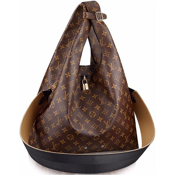 61c280c191f9 Louis Vuitton Handbags - Louis Vuitton Atlantis MM Large Runway Bag