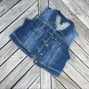 Woman's denim cropped vest