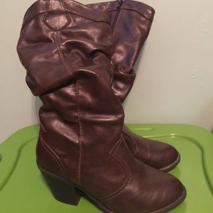Half calf brown boot