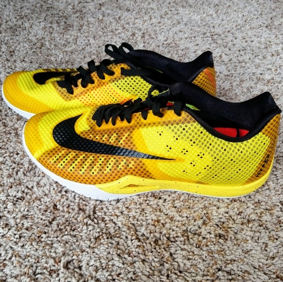 20e5353bb72 Men s Nike HyperLive Basketball Shoes size 12. M 59ade0b02fd0b72bc8004669