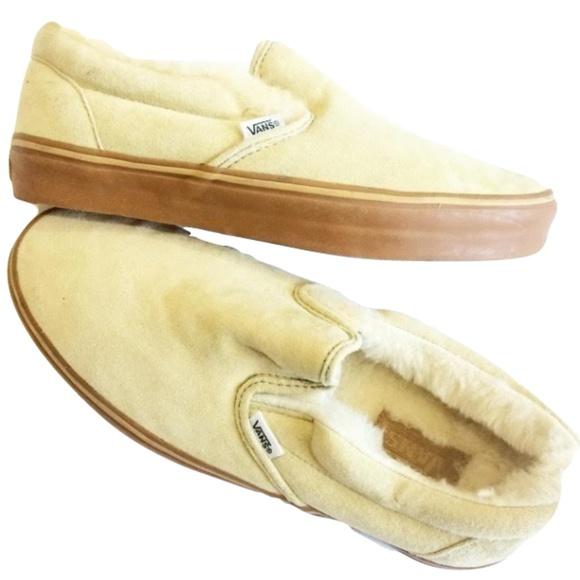 d02ec678cd Vans Men s Classic Fleece Slip-On Shoe. M 59adec563c6f9fb0e4008ffe