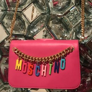 MOSCHINO WALLET ON CHAIN MULTI COLOR CHARMS