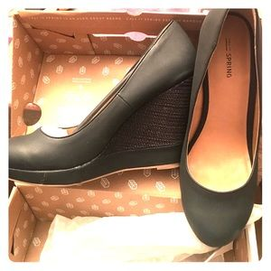 Brand new black wedges!!!! Size 11 super comfy NEW