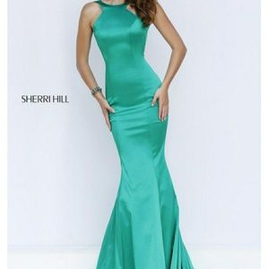 Sherri Hill emerald gown sz 2