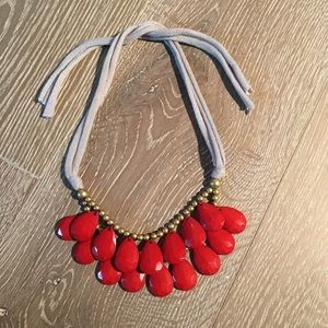 Jewelry - Gorgeous statement necklace, red