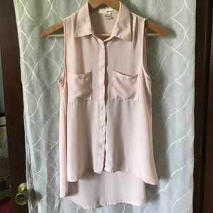 High low sleeveless blouse