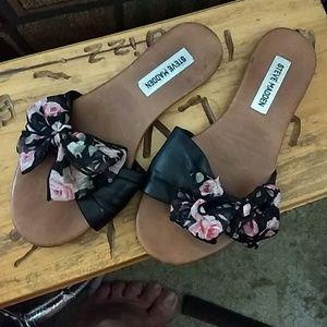 Steve Madden Leather Thong Slip on Sandals