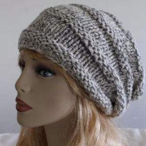 Accessories - Gray Handmade slouchy hat
