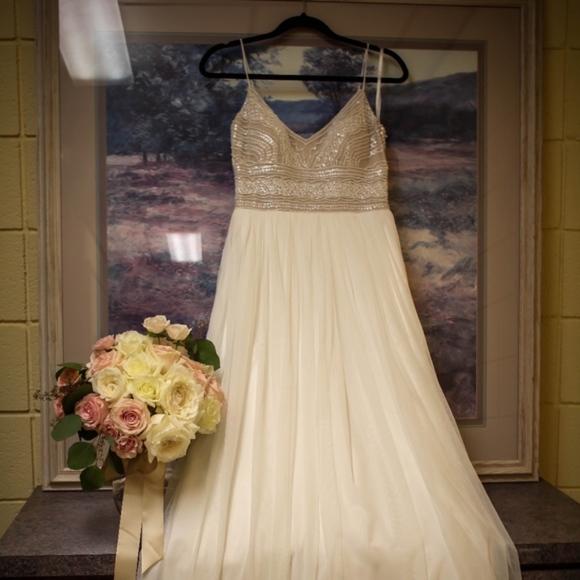 Adrianna Papell Dresses | Naya Wedding Dress Size 2 | Poshmark