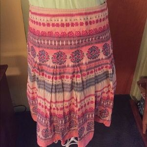 Dkny jeans embroidered skirt euc.