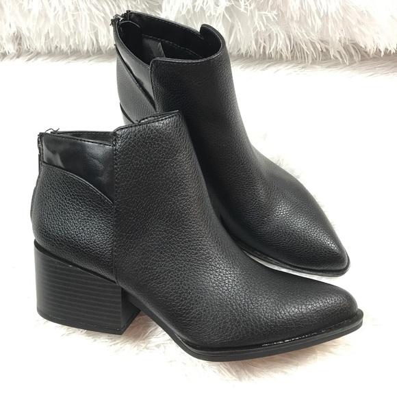 Simply Vera Wang Chelsea Black Ankle