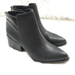 23ff59994e5 Simply Vera Vera Wang Shoes - Simply Vera Wang Chelsea Black Ankle Boots
