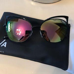 Lightly used Quay Australia sunglasses
