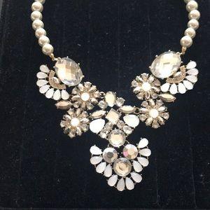 Jewelry - NWT statement necklace