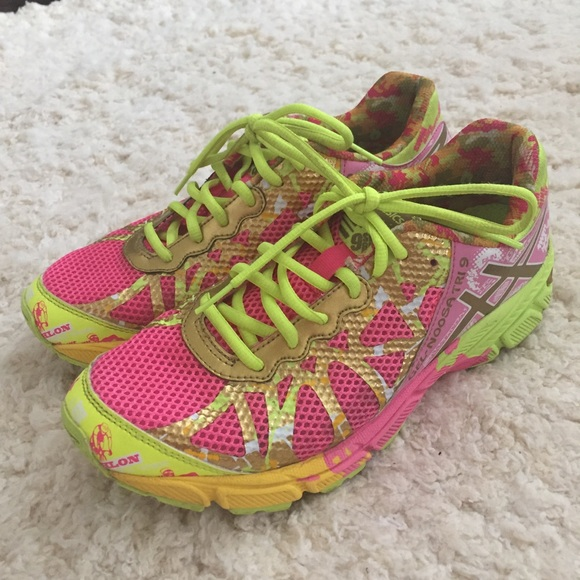 purchase cheap b87d0 c7dac Asics Shoes - •Asics• Gel Noosa Tri 9 Pink   Gold Breast Cancer