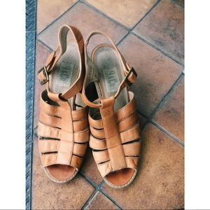Brown tan leather heeled t strap sandals