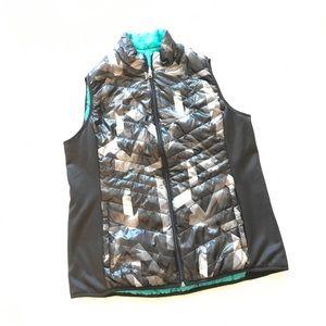 Large reversible Vest.