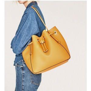 Convertible yellow bag