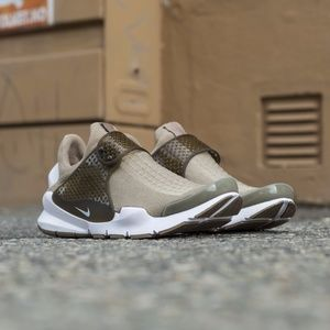 Men's Nike Sock Dart Sz 11