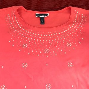 Pink t shirt with jewel design XXL