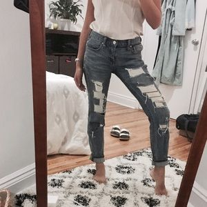 BDG Urban Outfitters Destroyed Boyfriend Jeans 24