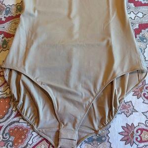 207a2be18f3 SPANX Intimates   Sleepwear - Star Power by SPANX Light Control Thin Vogue  Body