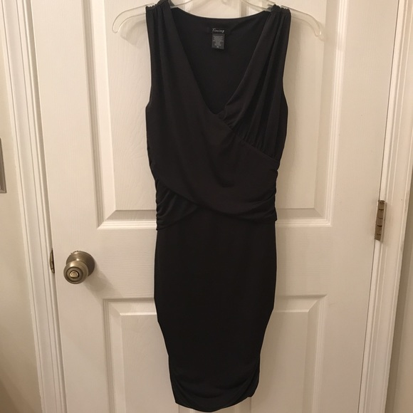 Dresses & Skirts - Bodycon LBD