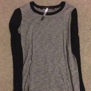 Kensie! Black and gray long sleeve shirt