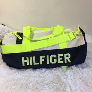 NWT Tommy Hilfiger Large Gym Duffle Travel Bag