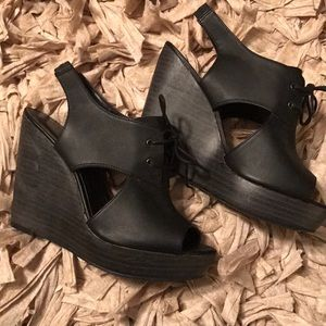 Black cutout wedges with ties. Size 9