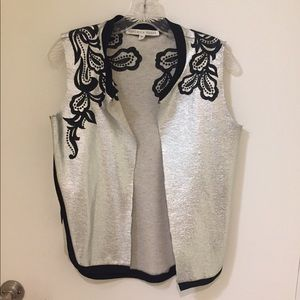 FLASH SALE‼️Embroidered silver vest