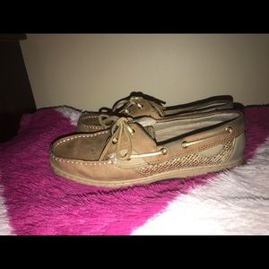 Shoes - Boat shoes size 7W