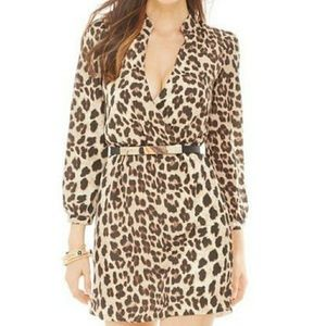 ⭐⭐NWOT⭐⭐Leopard print deep v dress⭐⭐