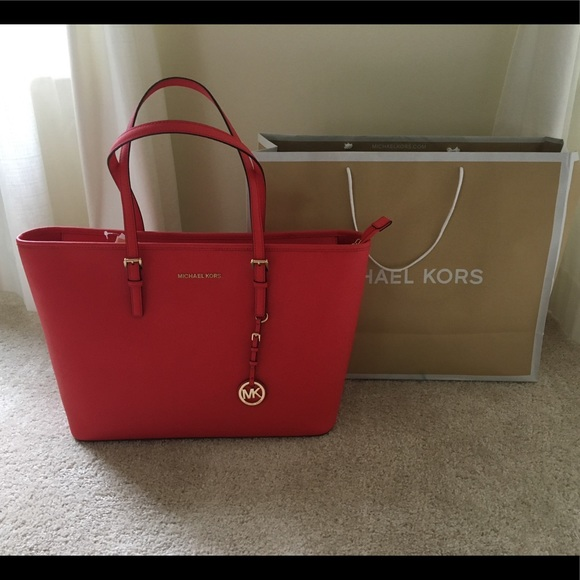 b0dd2acf13147a Michael Kors Bags | Nwt Large Leather Jet Set Travel Tote | Poshmark