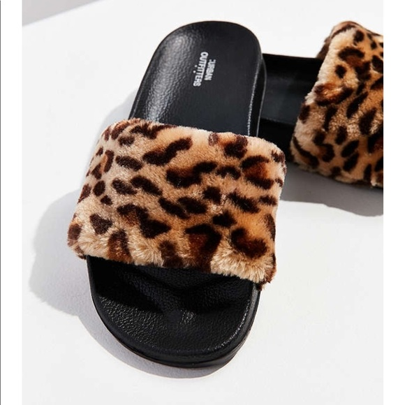 eaedad9c9d4 Fuzzy leopard slides NWT