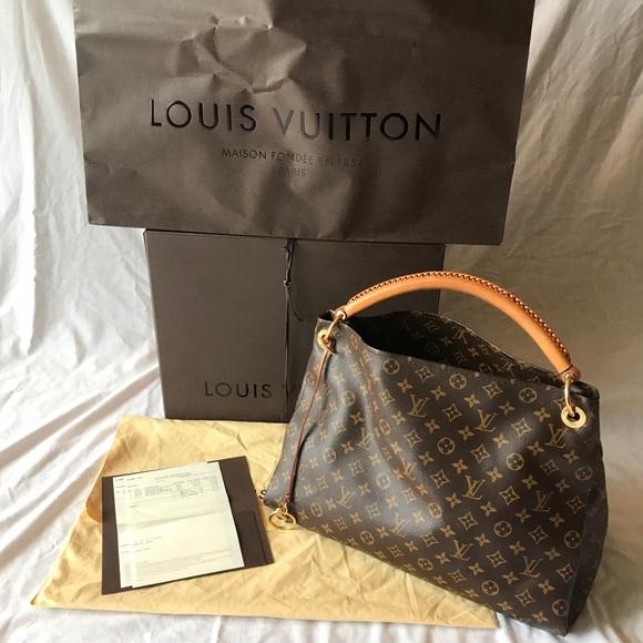 bb9b7039a8e Louis Vuitton Handbags - Louis Vuitton Artsy MM