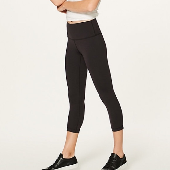 1b29bf893d68e lululemon athletica Pants - Lululemon Wunder Under Crop (Full On Luon) Sz 6