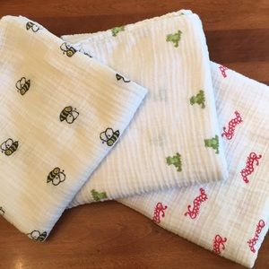 Bundle of 3 A+A muslin blankets/swaddles