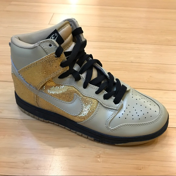 ... pretty cheap 69c2d b6cf3 NIKE Dunks SB glitter gold hi- tops ccbe2ac35828