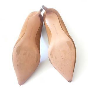 474ea8a309523 Banana Republic Shoes - Madison 12-Hour Pump 9.5 Camel suede Nice 3 pump