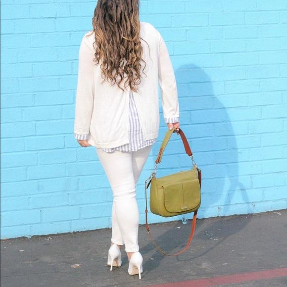 Vera Bradley Bags - NEW Vera Bradley Carson Shoulder Bag!