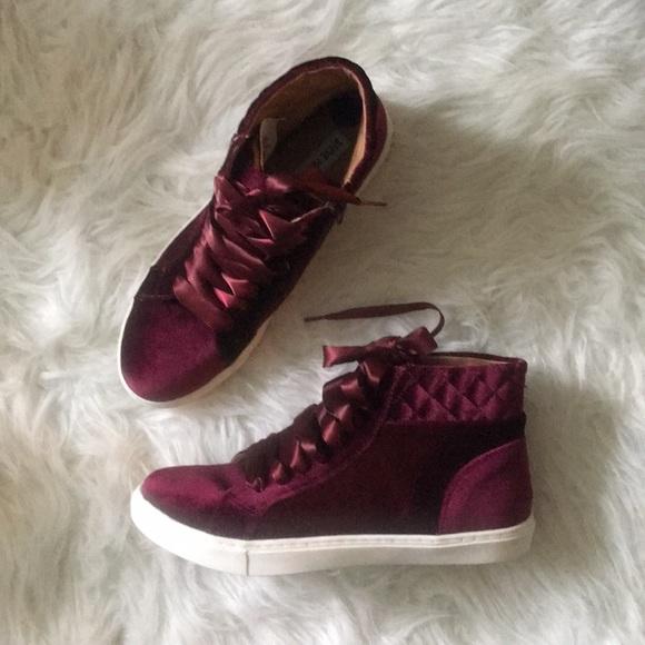 a73c8ba4292 Steve Madden Velvet High Top Endira Sneakers NWT