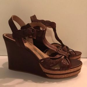 Never Worn Frye Brown Shay Leaf T Leather Wedge