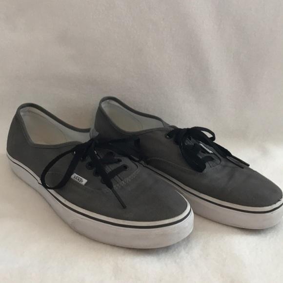 1774cfbfe86c Gray vans with black laces. M 59b061e241b4e086ef050855