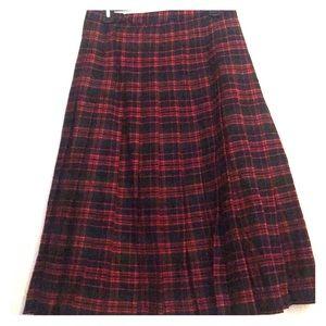 Amazing vintage plaid wool skirt! Like new!